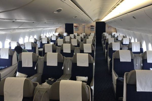 TAAG Air Angola Boeing 777-300ER Business Class